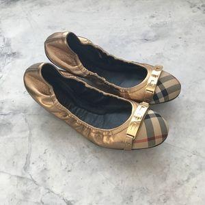 Burberry Twist Lock Ballerina — Heritage Gold